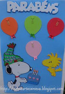 A turma toda chegou...   Charlie Brown e sua turma, agora também enfeitam a sala de aula da professora Débora.                              ...
