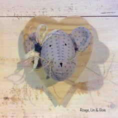 Trophée tête de souris en coton mauve tendre à pois gris : Décoration pour enfants par rouge-lin-et-bois