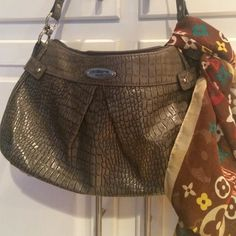 """Liz Claiborne Handbag in Gray Snakeskin Medium Liz purse in shoulder or satchel length strap. Medium sized. Faux snakeskin embossed leather. Neutral color, matches everything. One outside pocket full length for easy to reach keys or phone. Inside the zippered closure, there are several compartments for keys, phone, pen. Two zippered interior security pockets. 14"""" w x 8""""tall 12"""" drop strap. Great used condition. Liz Claiborne Bags Shoulder Bags"""