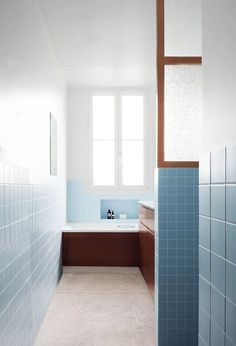 Trendy home bathroom colors bathtubs 70 Ideas Bathroom Wall Decor, Bathroom Colors, Bathroom Flooring, Bathroom Interior Design, Small Bathroom, Modern Bathroom, Bathroom Shelves, Minimalist Toilets, Minimalist Baths
