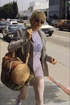 Madonna Madonna Rare, Madonna 80s, Lady Madonna, Madonna Photos, Bleach Blonde Hair, Youth Culture, Female Singers, Black Tank Tops, Her Style