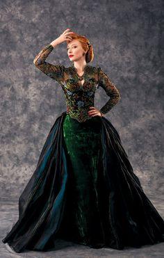 Cinderella 2015 - designed by Sandy Powell Cinderella 2015, Cinderella Movie, Cinderella Costume, Cinderella Slipper, Cate Blanchett Cinderella, Cate Blanchett Films, Robes Disney, Sandy Powell, Mode Costume
