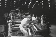 The Weather Report Band - Bing images Weather Report Band, Jaco Pastorius, Wayne Shorter, All That Jazz, World Information, Game Changer, Say Hello, Great Photos, Celebrity Photos