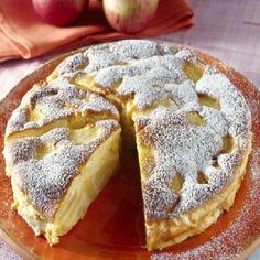 Poppy seed cake with vanilla cream and chocolate (delicious cake, tastes delicious, always succeeds) - Backen - Kuchen Apple Desserts, Italian Desserts, Apple Recipes, Sweet Recipes, Delicious Desserts, Cake Recipes, Yummy Food, Italian Cake, Dessert Bowls