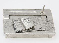 Collection Michel Laude : magnifique ! http://www.boutique-etain.fr/ancien-pupitre-miniature-2873-p.asp