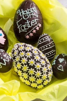 Get ideas on how to decorate an Easter egg with this informative and fun decorating Easter eggs guide from Great British Chefs.