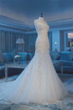 Sexy Bra fishtail skirt embroidered wedding dress US $299.00