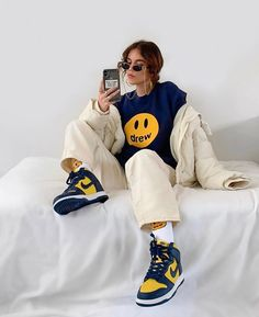 Tomboy Fashion, Teen Fashion Outfits, Retro Outfits, Streetwear Fashion, Girl Outfits, Sweat Streetwear, Vest Outfits, Baddie Outfits Casual, Cute Casual Outfits