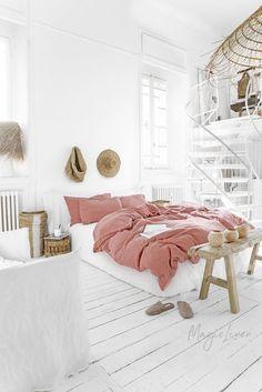 3 piece linen bedding set in Rust Pink. - Bedding Set - Ideas of Bedding Set - 3 piece linen bedding set in Rust Pink. Bed Linen Sets, Bed Sets, Pink Bed Linen, Pink Bedding, Luxury Bedding, White Bedding, Home Bedroom, Bedroom Decor, Bedroom Ideas