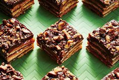 No-Bake Fudgy Toffee Bars - On Poinsettia Drive Toffee Candy Bar, Toffee Bars, Summer Desserts, No Bake Desserts, Dessert Recipes, Bar Recipes, Cooking Recipes, Chocolate Sugar Cookies, Sugar Cookie Bars