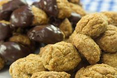 Anzac Biscuits, Cookies, Chocolate, Desserts, Recipes, Food, Crack Crackers, Tailgate Desserts, Deserts