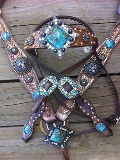WOW! Western Horse Tack, Horse Bridle, Horse Gear, Horse Saddles, Western Bridles, Horse Boots, Western Cowboy, Pretty Horses, Horse Love