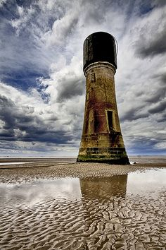 Old Spurn Lighthouse at East Riding - Yorkshire, England Costa, Beacon Of Light, Abandoned Places, Land Scape, Strand, Mother Nature, Places To See, East Coast, Beautiful Landscapes