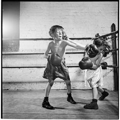 Stanley Kubrick Boxing [at the] Police Athletic League [Two boys boxing.], 1946 From SK Film Archives/Museum of the City of New York Stanley Kubrick Photography, Look Magazine, Film Archive, Kids Boxing, Classic Films, Film Director, Black And White Photography, Martial Arts, Street Photography