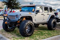 CUSTOMIZED JEEP JK