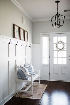 DIY Board and Batten – Home Renovation Flur Design, Home Design, Home Upgrades, Home Renovation, Home Remodeling, Young House Love, Board And Batten, My New Room, Entryway Decor