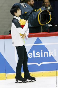 Ice Skating, Figure Skating, Yuzuru Hanyu Pooh, Skate Boy, Olympic Champion, Pooh Bear, Japanese Artists, Helsinki, Asian Men