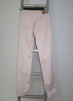 A vendre sur #vintedfrance ! http://www.vinted.fr/mode-femmes/autres-pantalons/15794090-slim-cimarron-rose-clair-t29