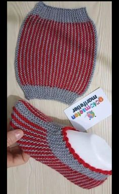 Good Free of Charge Knitted bags 2019 Suggestions 10 Minuten Easy Bag Booties Model # dowrypathy # weave # … Knitting Stitches, Knitting Socks, Knitting Patterns Free, Free Knitting, Baby Knitting, Crochet Patterns, Crochet Ideas, Free Pattern, Knitted Slippers
