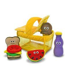 jouet bébé fille : jouets en tissu original en forme de panier de pique nique #gaspardetzoe #cadeaubebe