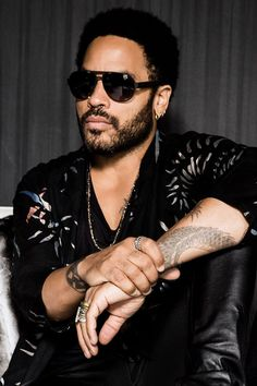 NEWS: The rock artist, Lenny Kravitz, has announced the first group of dates for his fall tour in Russia, Europe and the UK. He will be supporting his upcoming album, Strut. You can check out the dates and details at http://digtb.us/lennykravitznews