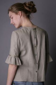 Linen Blouse Fashionable/ Flax Blouse With Frill Sleeves/ Linen Blouse Elegant/ Linen Blouse Sleeves/ Linen Top With Back Fastening Kurta Designs, Blouse Designs, Diy Chemise, Western Tops, Mode Vintage, Short Tops, Sleeve Designs, Blouses For Women, Fashion Dresses