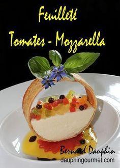 INGREDIENTS POUR 12 PERSONNES 300 g de pâte feuilletée 500 g de tomates assorties (rouges, jaunes, orange, vertes, tigrées, ...) - Bien entendu on peut n'utiliser qu'une seule variété de tomate mais c'est plus joli et plus original de marier les couleurs...