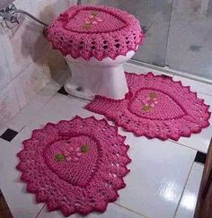 Hi group of girls .. Piece crochet for all bathroom crafted in pink .. ~ Artesanatos e Crochet