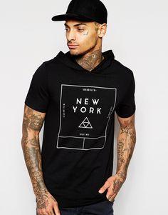 Imagen 1 de Camiseta entallada con estampado tipográfico y capucha de ASOS