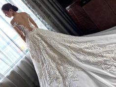 Kaye Abad Wore A Gorgeous Francis Libiran Gown To Her Wedding Francis Libiran Wedding Gown, Francis Libiran Gowns, Elegant Wedding Dress, Designer Wedding Dresses, Filipiniana Wedding Theme, Bridal Gowns, Wedding Gowns, Filipino Fashion, Vestidos