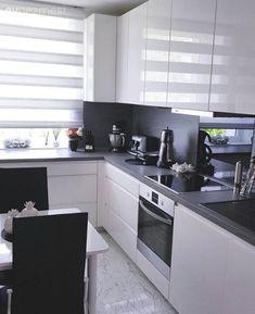 White kitchen, Modern kitchen, Kitchen Source by zlemklarslan Kitchen Room Design, Modern Kitchen Design, Home Decor Kitchen, Kitchen Living, Interior Design Kitchen, Home Kitchens, Rustic Kitchen, Kitchen Modular, Modern Kitchen Cabinets