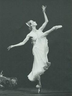 Sylvie Guillem. Google Image Result for http://www.ballerinagallery.com/pic/guill02.jpg