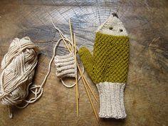 Ravelry: MamaAshGrove's hedgehog mitts