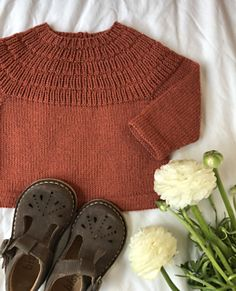 Anker's Shirt - Raglan Sitricken Crochet Hooks, Knit Crochet, Top Down, Childrens Sewing Patterns, S Shirt, Stockinette, Baby Knitting, Kids Fashion, Women's Fashion