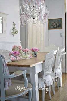 Shabby Chic dining would love if I had a cottage somewhere. a bit fussy for my now home.