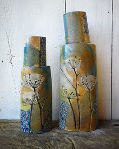 Two leaning friends fresh out the kiln #ceramics #pottery #ceramiques #poterie #couleur #bottles #vases #cowparsley #queenanneslace #wildflowers #handmade #seedheads #decor #interiordesign #metiersart #artisans