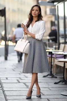 Professional work outfit ideas 04 litledress stylish work outfits, office w Womens Fashion For Work, Work Fashion, Modest Fashion, Fashion Ideas, Feminine Fashion, Ladylike Style, Classic Feminine Style, Sophisticated Fashion, Trendy Fashion