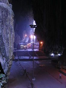 Rising almost 100 m above the ground, the #BatuCaves temple complex consists of three main caves and a few smaller ones. The biggest, referred to as Cathedral Cave or Temple Cave, has a very high ceiling and features ornate Hindu shrines. To reach it, visitors must climb a steep flight of 276 steps