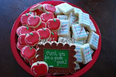 Sweet Cakes: Teacher Appreciation Cookies~ Apple and Paper platter