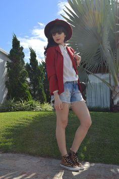 Look shorts jeans com blazer blog Ela Inspira - http://www.elainspira.com.br/look-dog-days-are-over/