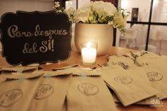 Civil Wedding Dresses, Bridal Dresses, Wedding Planner, Place Card Holders, Candles, Thalia, Ideas Para, Wedding Ideas, Weddings