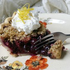 "blueberry crumb pie ""This is the best blueberry pie that any of my family has ever had."" - MissBethany Next Recipe Fresh Blueberry Pie IIIGOFresh Blueberry Pie III Blueberry Crumb Pie, Blueberry Recipes, Blueberry Picking, Best Blueberry Pie Recipe, Blueberry Crisp, Pie Recipes, Dessert Recipes, Cooking Recipes, Recipies"