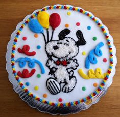 Snoopy cake. How CUTE is that!