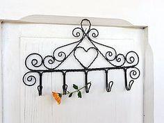 Nábytok - malé srdiečko v ornamente...folk vešiak - 7444563_