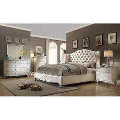 Aveliss Queen Panel 4 Piece Bedroom Set