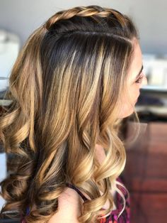 Mohawk Braid With Loose Curls