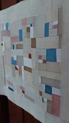 손염색 모시 조각보 Textile Design, Textile Art, Diy And Crafts, Arts And Crafts, Crazy Patchwork, Textiles, Korean Art, Korean Traditional, Japanese Embroidery