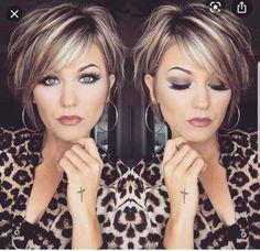 Short Layered Haircuts, Cool Short Hairstyles, Layered Hairstyles, Hairstyles Haircuts, Short Female Haircuts, Hairstyles Over 50, Beautiful Hairstyles, Medium Hairstyles, Ponytail Hairstyles