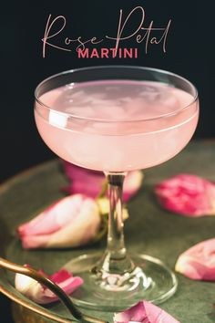 Designed by the wonderful distillers at GŴYR Distillery, this gorgeous delicate martini is enhanced with the lightest touch rose for a truly romantic tipple! Pink Gin Cocktails, Gin Cocktail Recipes, Pink Drinks, Cocktail Drinks, Gin Martini Recipe, Martini Recipes, Alcohol Drink Recipes, Summer Martinis, Craft Gin
