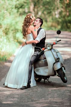 motorbike, scooter, bike, kiss, 135mm, f2.0, color, love, wedding, weddings, portrait, bride, girl, photo, photoshoot, mood, nikon, photographer, bokeh, women,  fine art, people, road, groom, men